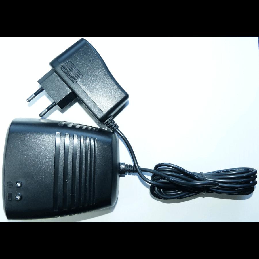 nabíječka baterií Tau-10